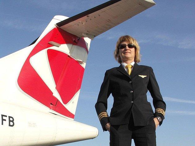 Hana Babčanová v uniformě.