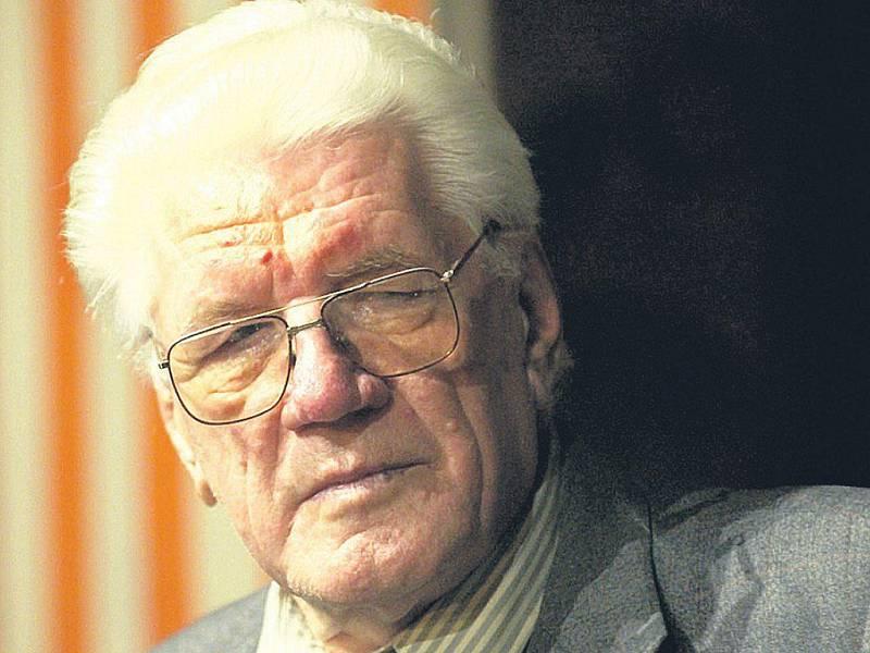 Jaroslav Moučka zemřel ve věku 86 let.