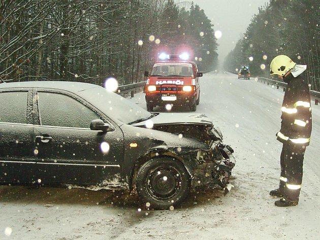 U nehody v Halámkách zasahovali dobrovolní hasiči ze Suchdola nad Lužnicí.