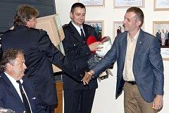Dobrovolní hasiči z Dačic a místních částí dostali od města nové vybavení.