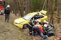 Suchdolští hasiči zasahovali u vážné dopravní nehody u Majdaleny.