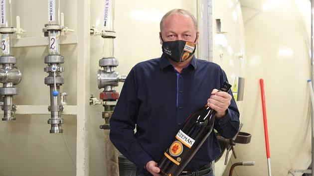 Josef Nejedlý, ředitel závodu Fruko-Schulz se rozpovídal o dopadu covidu na jindřichohradeckou likérku.