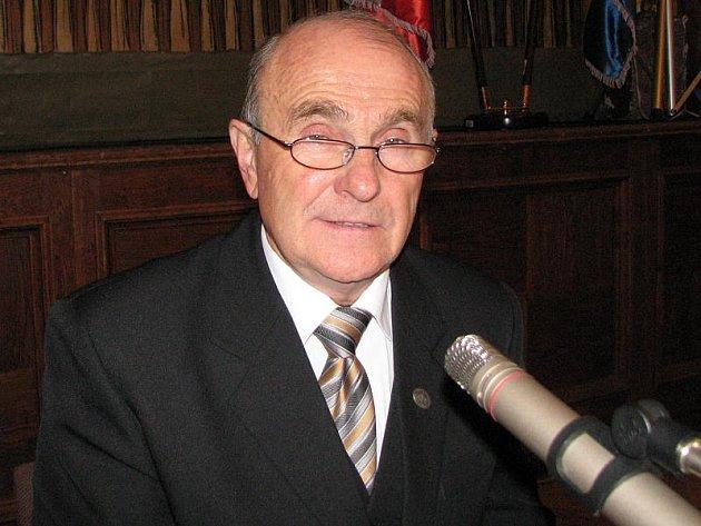 ODCHOD. Rudolf Hájek stál osm let včele Dačické radnice. Jako zastupitel zůstává nadále.