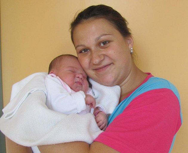 Aneta Lehká z Dolní Pěny se narodila 5. září 2011 Michale a Lukášovi Lehkým. Měřila 50 centimetrů a vážila  3 860 gramů.