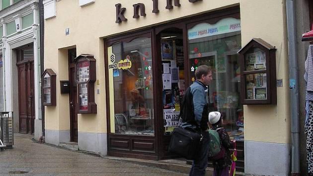 Knihkupectví v Panské ulici v J. Hradci.