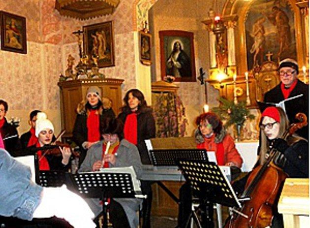 V kostele v Cepu vystoupil Rapšašský komorní orchestr.