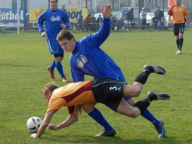 Třeboňská Jiskra (modrý dres). Ilustrační foto.