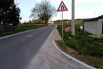Silnice spojující Kopeček se starou Radouňkou.