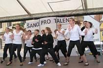 Vystoupení třeboňského tanečního souboru feel v soutěži Čance pro talent v Třeboni.