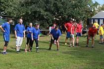 Na návsi v Dolní Radouni se v sobotu změří síly pětičlenná družstva všech místních částí Jindřichova Hradce.