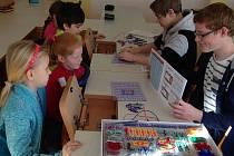 Ve 4. základní škole si osmáci připravili pro prvňáčky den plný zábavy i poučení.