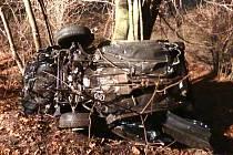 Tragická nehoda u Pleší si vyžádala tři lidské životy.