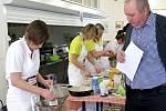 Školní kuchařky z J. Hradce soutěžily.