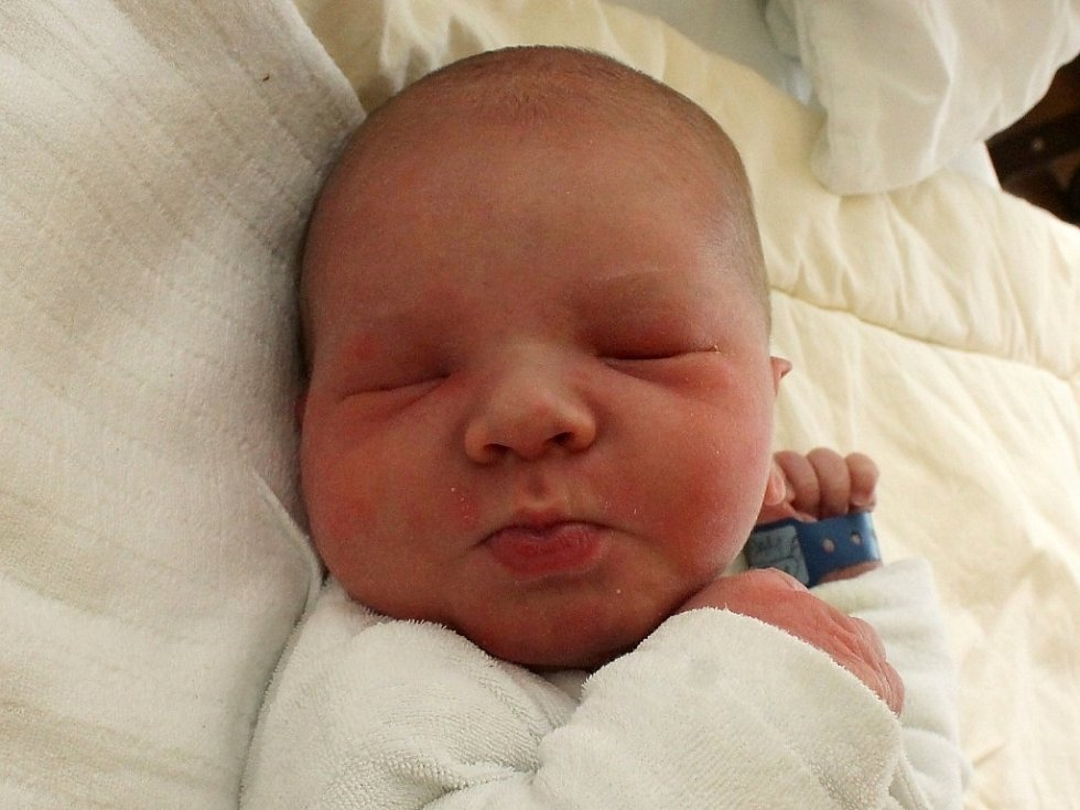 Adam Duben se narodil 24. května Romaně Synkové a Jiřímu Dubnovi z Jindřichova Hradce. Měřil 51 centimetrů a vážil 3600 gramů.