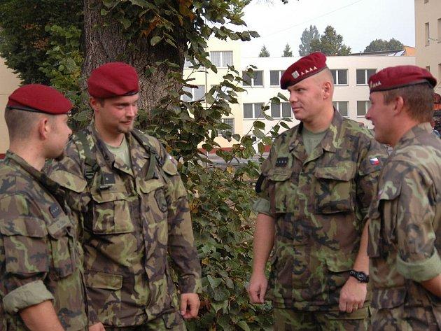 Ilustrační foto. Vojáci 44. lehkého motorizovaného praporu v Jindřichově Hradci.