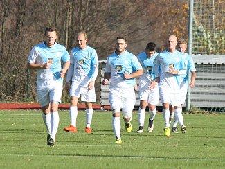 Hradečtí fotbalisté přezimují na druhé příčce krajského přeboru.