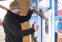 Pro dodavatele technologie Mléčného baru pracuje Lukáš Jirků (na snímku), který zajišťuje i jeho údržbu.