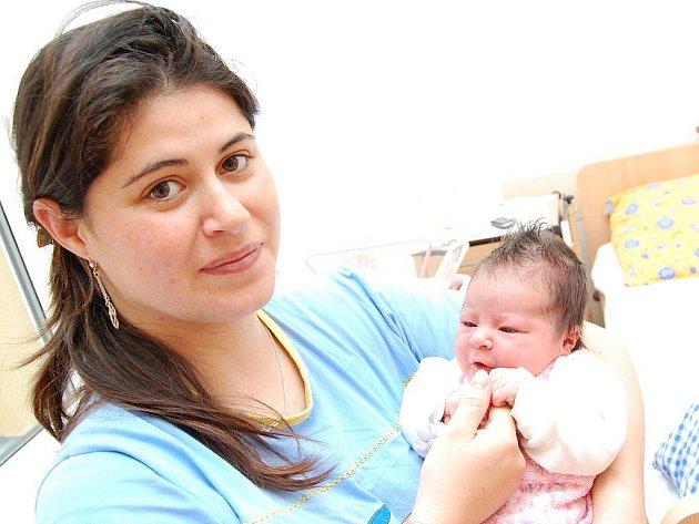 Tereza Nohavová z Novosedel nad Nežárkou se narodila Markétě a Rostislavovi 19. května 2010, měřila 51 centimetrů a vážila 3500 gramů.