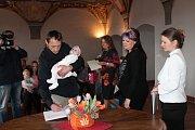 V refektáři Muzea fotografie a moderních obrazových médií byli 7. dubna přivítáni nejmladší občánci Jindřichova Hradce.