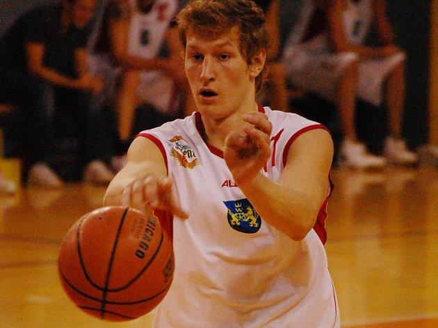 Kvalitní prvoligový basketbal bude o víkendu k vidění v jindřichohradecké sportovní hale. Domácí BK dnes hostí Sokol pražský, zítra Lokomotivu Plzeň a z obou duelů s nepříjemnými protivníky by si rád připsal plný počet bodů.