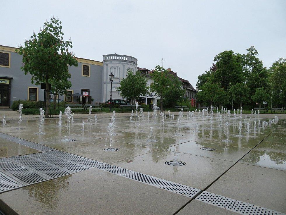 Deštivá neděle 23. května v Jindřichově Hradci.