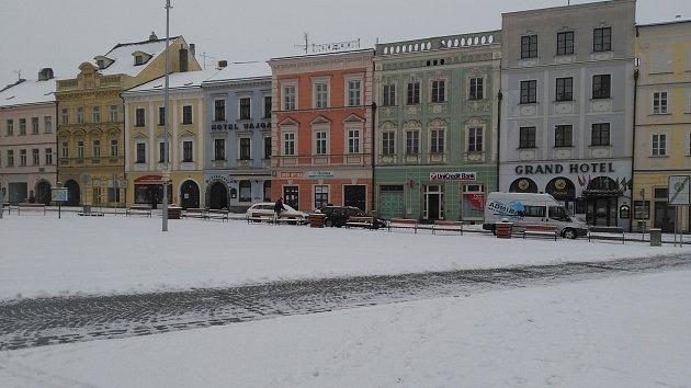 Páteční ráno zasypal sníh