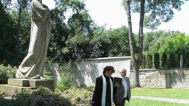 Vzpomínka u pomníku Jana Husa v Jindřichově Hradci.