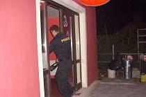 Policejní kontrola na Jindřichohradecku zaměřená na podávání alkoholu mladistvým.