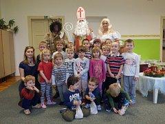 Mikulášská nadílka neminula ani děti v mateřské a základní škole v Lužnici.