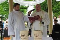 Slavnostní svěcení slatiny v Třeboni.