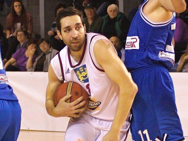 Křídelní hráč Lions Pavel Novák.