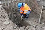 Oprava vodovodního potrubí. Ilustrační foto.