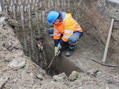 Oprava havárie na vodovodním potrubí. Ilustrační foto.