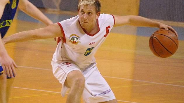 Se snahou probojovat se opět do play off vstoupí do nové sezony basketbalisté BK Lions J. Hradec. Sezonu v I. lize pak odstartují 19. září v Benešově. Mezi  nejzkušenější hráče klubu patří rozehrávač Ondrej Procházka.