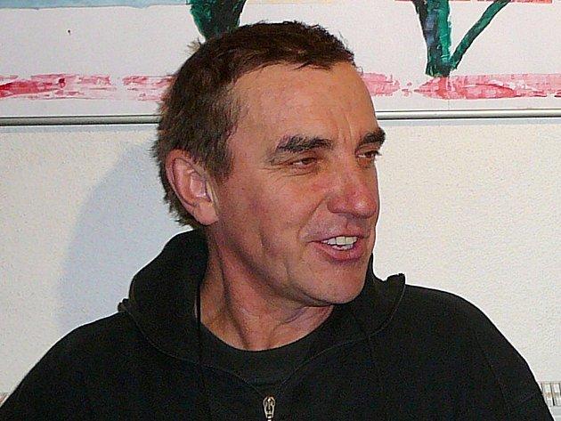 Akademický sochař Josef Andrle.
