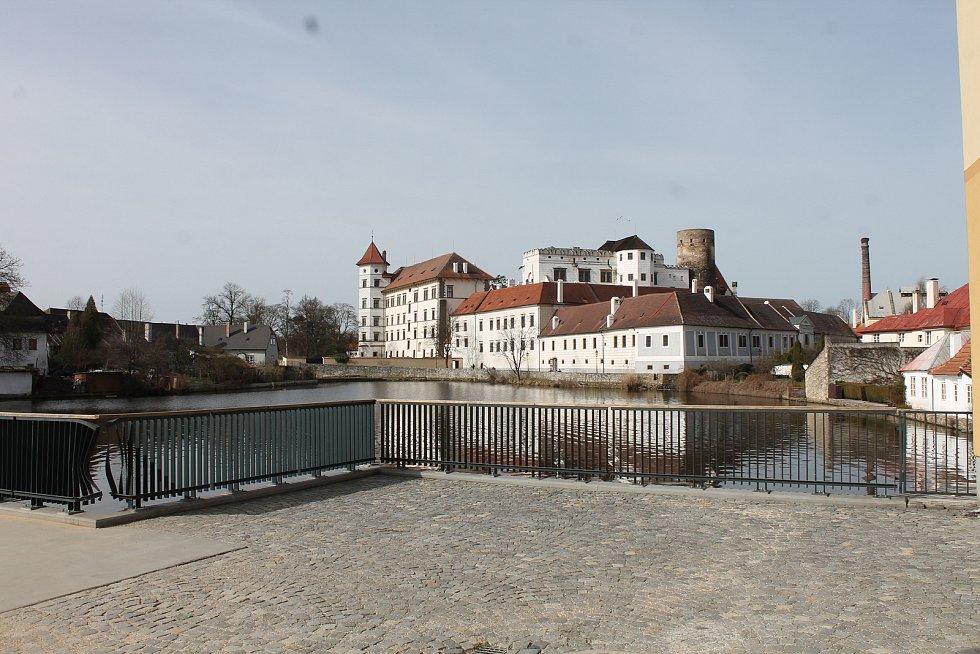 Areál Státního hradu a zámku v Jindřichově Hradci.