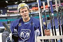 Útočník Pasi Nielikäinem prošel ve finské SM–lize celou řadou týmů od IFK Helsinky přes Pori, Oulu, Lappeenrantu, Hämeenlinnu až po Jokerit Helsinky.