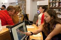 V Třeboni začalo fungovat informační centrum na nové adrese ve foyer kina.