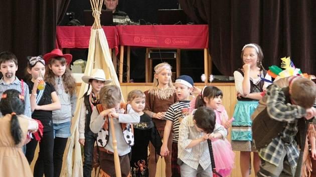Dětský maškarní karneval. Ilustrační foto.