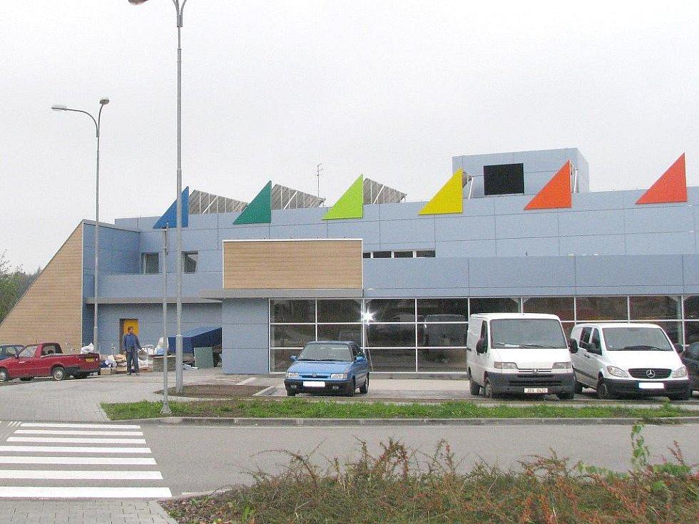 Plavecký bazén v J. Hradci.