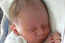 Jakub Šindelář z Rosičky u Deštné se narodil 27. srpna 2013 Michaele Elgrové a Milanu Šindelářovi. Vážil 3370 gramů a měřil 51 centimetrů.