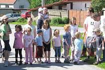 Jedním z míst, kde se konaly oslavy Dne dětí, byl i Bednárec. Na oslavách se podílela celá obec.