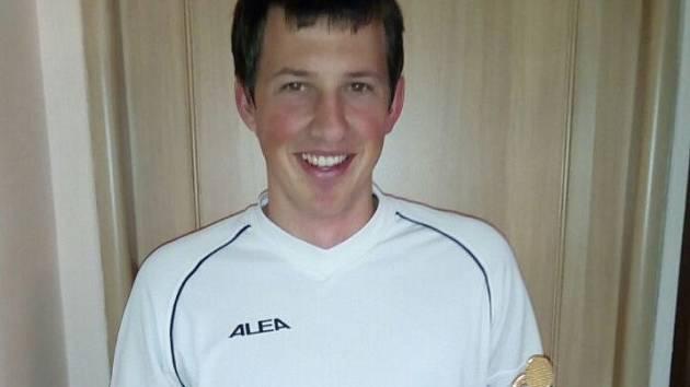 Roman Hirsch z hradeckého Tenisového klubu (na snímku) ve finále porazil Petra Koubu z Třeboně.