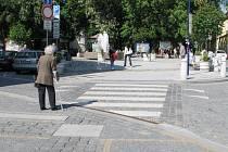 Přechody pro chodce na jindřichohradeckém Masarykově náměstí, které čeká změna.