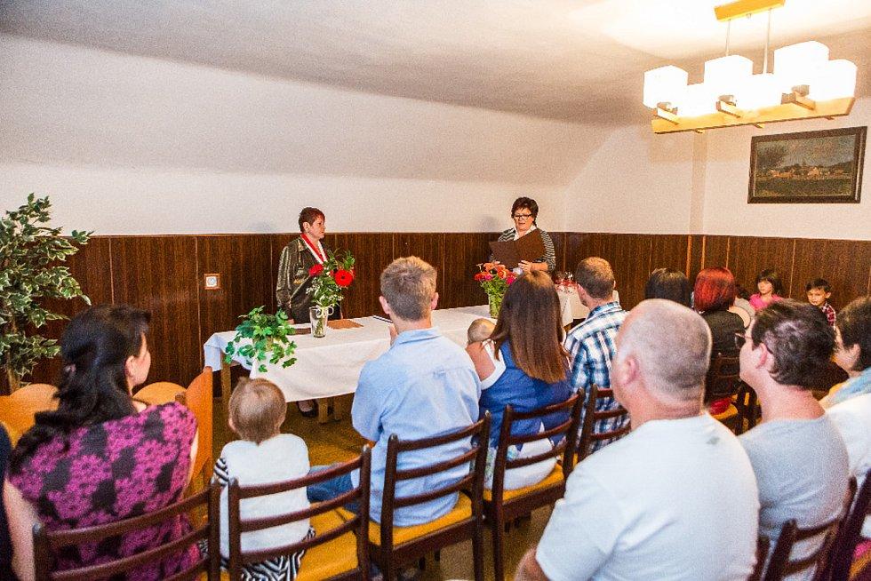 V Člunku se konalo slavnostní vítání občánků.