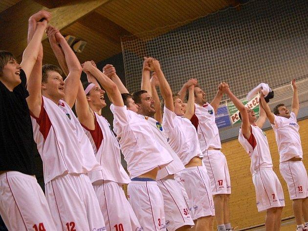 EUFORIE. Jindřichohradečtí basketbalisté bodovali.