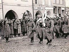 PŘED 78  LETY. Snímek zachycuje příchod německého vojska do Českých Budějovic.