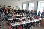 První školní den v Základní škole Sira Nicholase Wintona v Kunžaku.