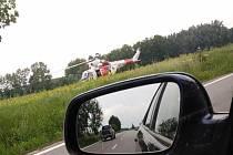 U odbočky na Ponědrážku na hlavním tahu z Lomnice nad Lužnicí do Veselí nad Lužnicí se vážně zranil cyklisty, který narazil do stojícího kamionu.