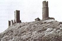 ZŘÍCENINA Házmburka, jeden z hradů Zajíců z Valdeka.